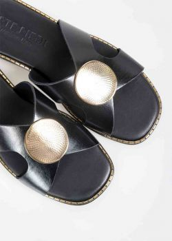 Clelia Δερμάτινα Σανδάλια με Χρυσό Διακοσμητικό, Μαύρο